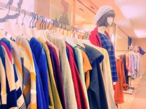 冬服の店内